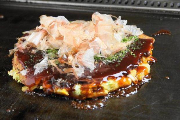 大阪生野区で57年、TVでもよく紹介されるお好み焼桃太郎|大阪のお好み焼き-桃太郎
